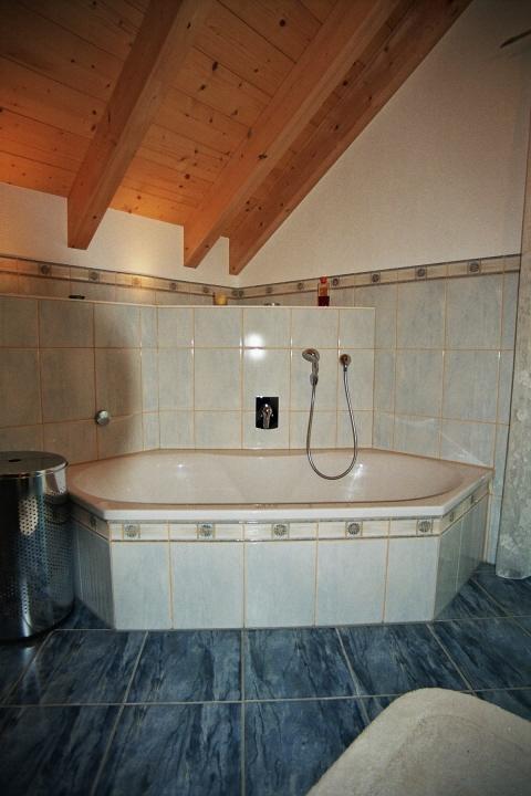 8 eck badewanne rauscher heizung. Black Bedroom Furniture Sets. Home Design Ideas